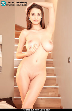 Image. Estelle Taylor - naked nice girl with big tits picture