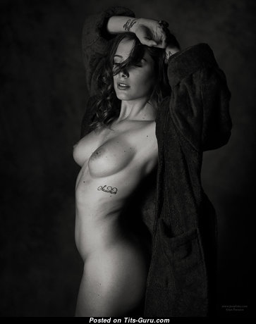Sadie Gray - Amazing Topless Floozy with Amazing Bare Natural Mid Size Tittys (Hd Sexual Pix)