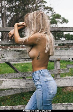 Grand Nude Blonde with Tattoo (Hd 18+ Pix)