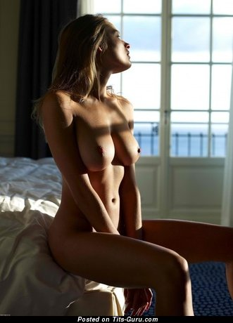 Image. Naked wonderful woman with big natural tittys pic