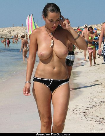 Exquisite Topless Brunette with Exquisite Bald Natural Average Chest on the Beach (Sexual Photoshoot)