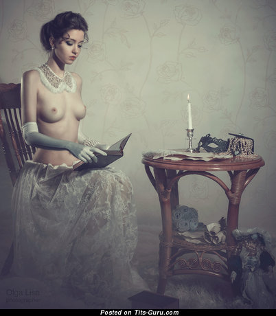 Image. Nude awesome female with medium natural boob vintage