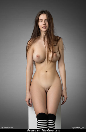 Alisa - sexy naked brunette with medium natural tots picture