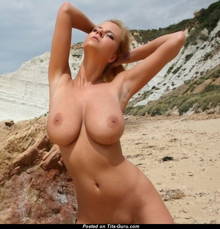 Exquisite Babe with Exquisite Naked Real Med Boobys (Sex Image)