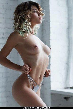Изображение. Фотка шикарной раздетой блондинки
