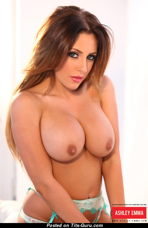 Ashley Emma - Adorable Lady with Adorable Open H Size Chest is Undressing (Hd Xxx Image)