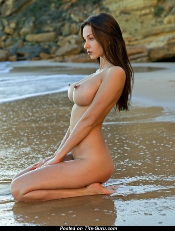 Gorgeous Babe with Gorgeous Nude Real Tittys on the Beach (Sexual Picture)