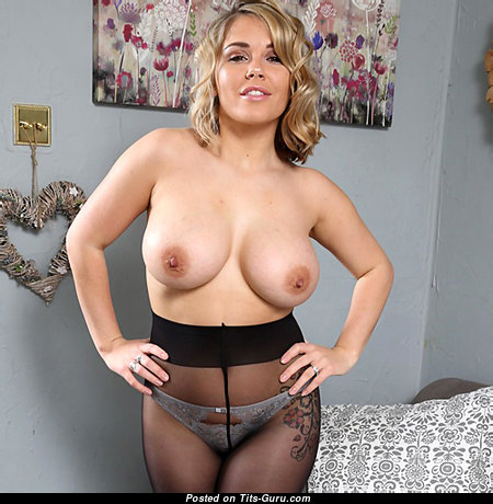 Adorable Unclothed Dame with Giant Nipples (Xxx Image)