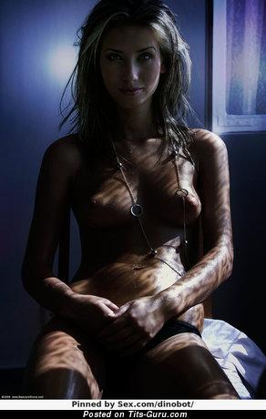 Image. Naked hot woman image
