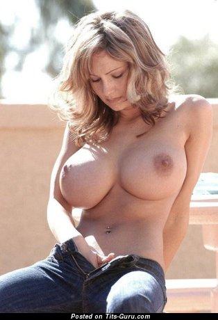 Фотография шикарной раздетой блондинки