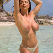 Fine Babe with Fine Open Real Mid Size Boobys (Sexual Wallpaper)