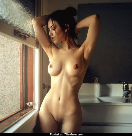 Magnificent Nude Babe (Porn Image)