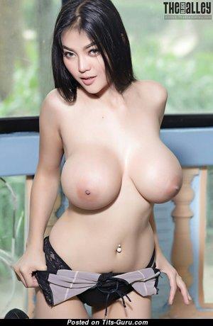 Feii Orapun - Nice Undressed Asian Lady (Hd Porn Photoshoot)