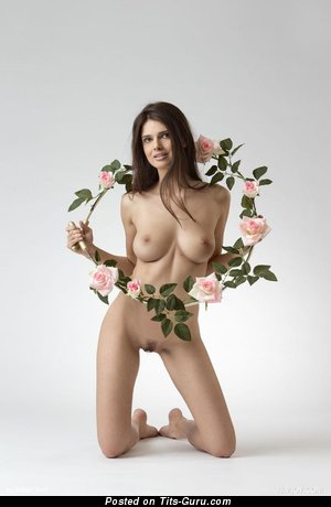 Image. Jasmine Andreas - naked brunette with medium natural tittys image