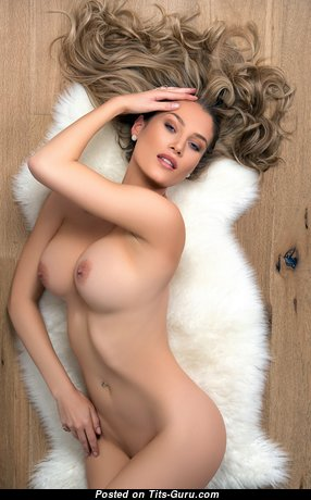 Анна Опсал - The Nicest Danish Blonde Babe with The Nicest Exposed Silicone Tittys (Xxx Pic)