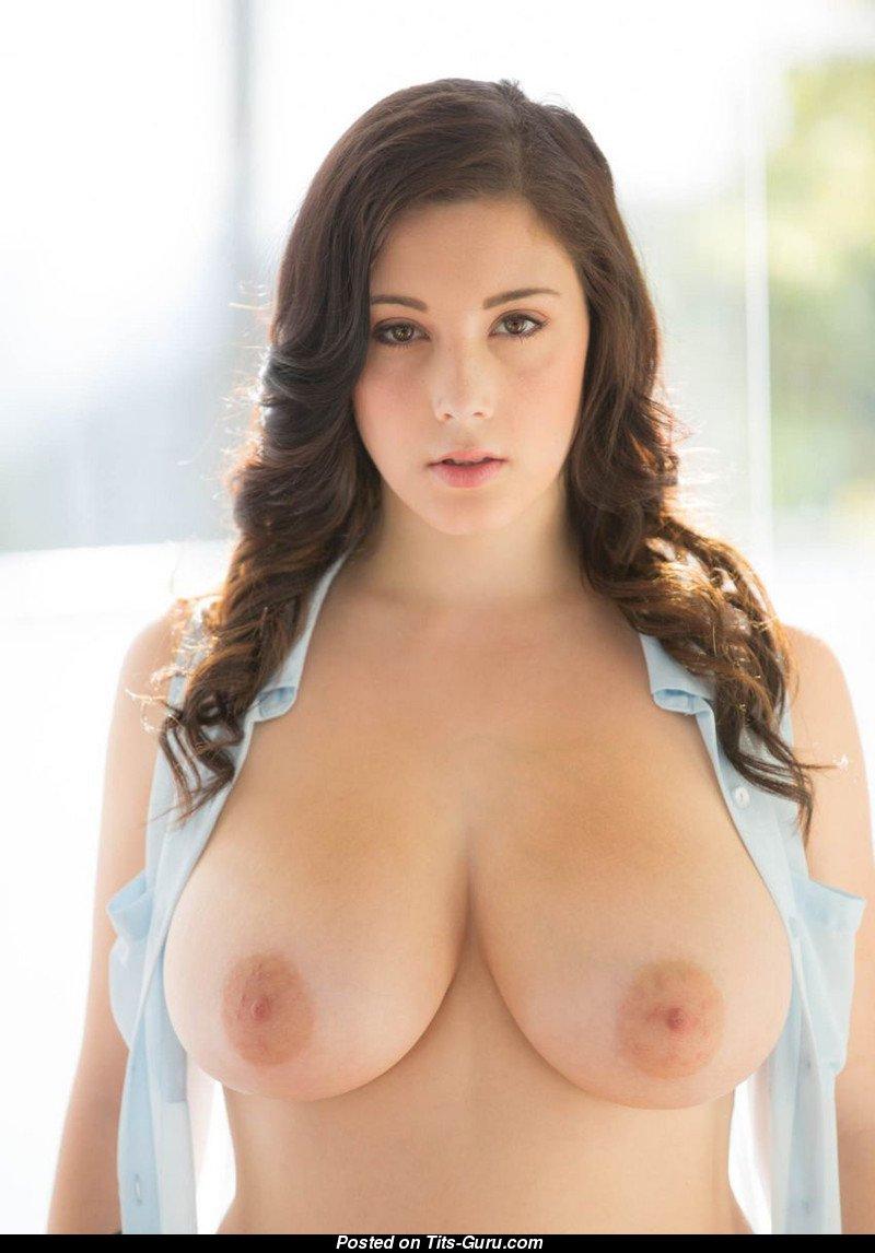 G size hot tits