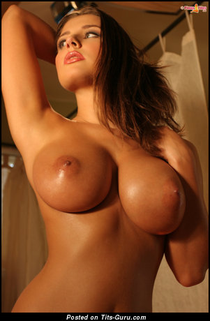 Erica Campbel - Cute Babe with Cute Open Average Tittys (Xxx Pic)
