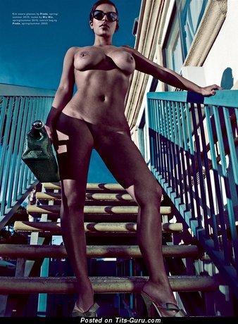Изображение. Kim Kardashian - фото невероятной чувихи топлесс