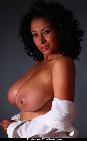 Donna Ambrose Aka Danica - Fine Ebony Mom with Fine Bare Natural Big Sized Busts (Hd 18+ Foto)