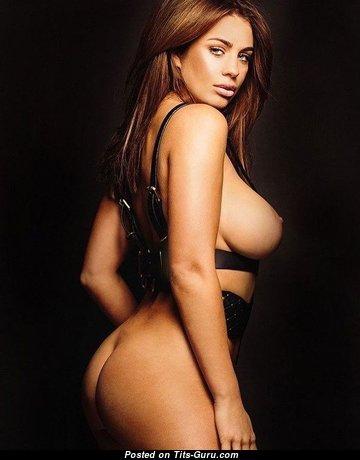 Grand Nude Babe (18+ Foto)