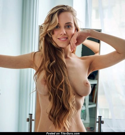 Sweet Topless Blonde with Sweet Naked Real Boobys (Xxx Picture)