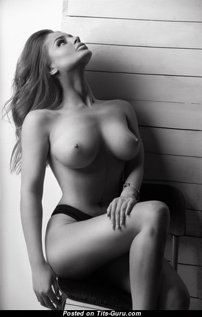 Splendid Babe with Splendid Exposed Real Tight Boobys (Hd Porn Picture)