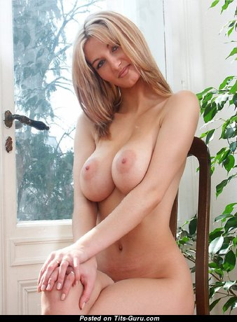 Nice - Superb Housewife with Superb Open Real Titties (Sexual Pix)
