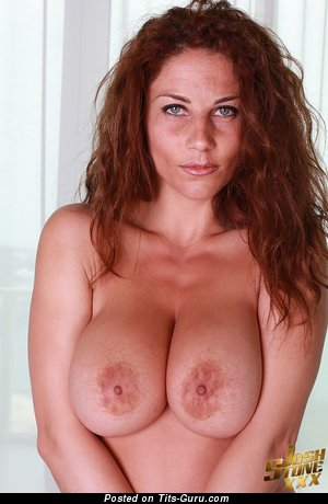 Roberta Missoni - nude red hair with big tittes pic