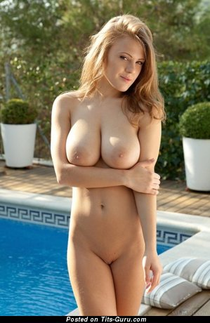 Hot Topless Blonde Babe with Hot Nude Natural Dd Size Knockers (Porn Foto)