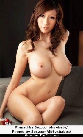Изображение. Фото горячей обнажённой девушки с большими дойками