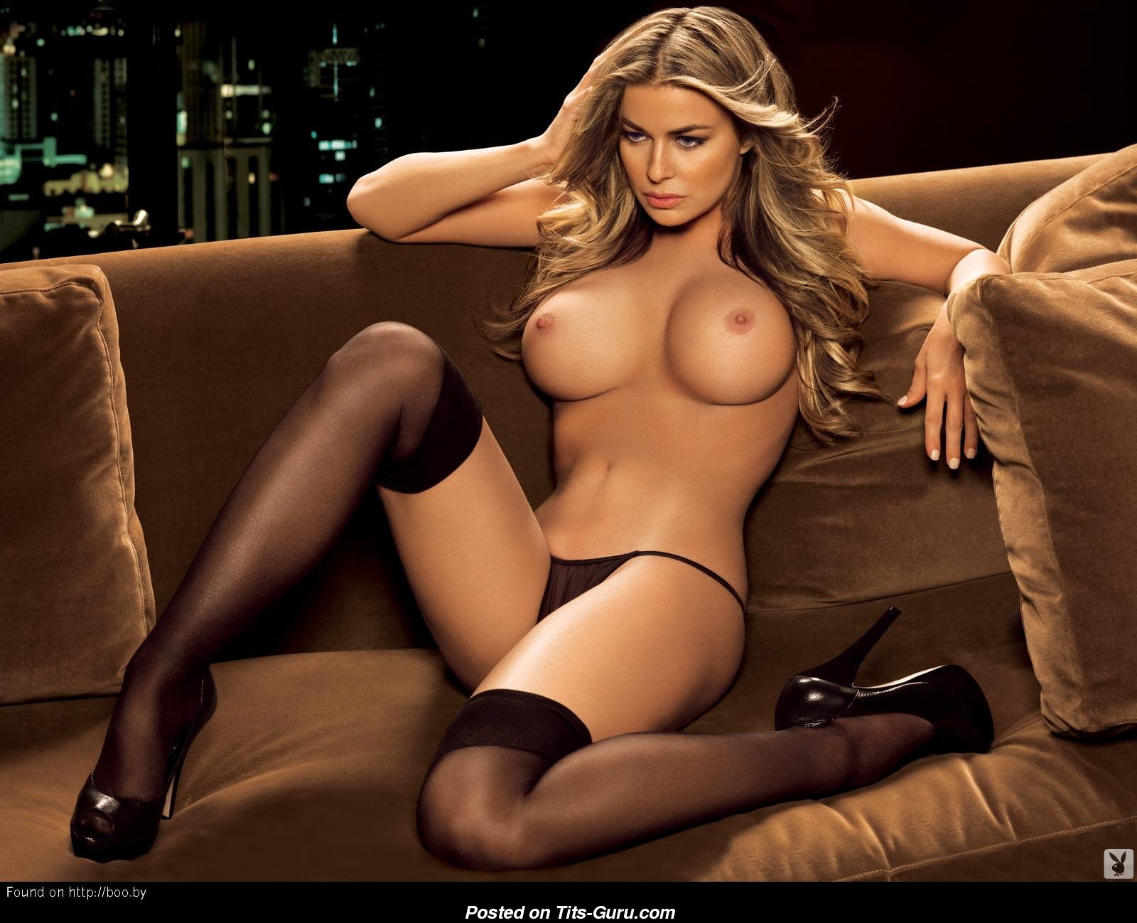 Carmen electra naked with guitar