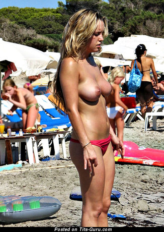 Awesome Bimbo with Awesome Defenseless Natural Soft Titties (Hd Sex Foto)