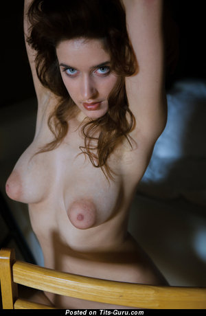 Emily - nude nice woman with medium natural boobies pic