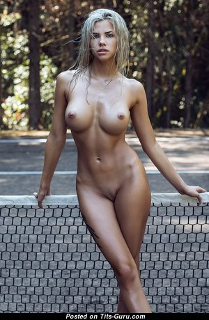 Fine Topless & Wet Blonde (Hd Sex Picture)