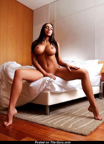Perfect Babe with Perfect Defenseless Fake Gigantic Breasts (Sexual Foto)