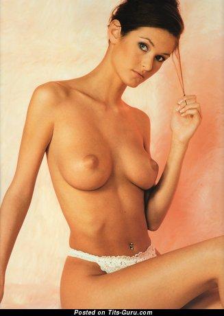 Nikkala Scott - naked nice girl with medium tittys image