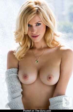 Image. Kennedy Summers - nude blonde with big boob pic