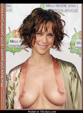 Jennifer Love Hewitt - The Nicest American Babe, Singer & Actress with The Nicest Nude Normal Boob (Sexual Foto)