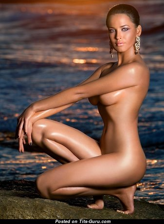 Fine Babe with Marvelous Nude Natural D Size Titties (Hd Sexual Photo)