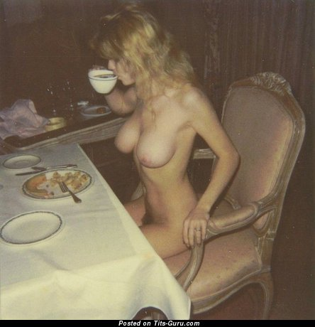 Sweet Blonde with Sweet Bare Natural Med Tittys (Private Vintage 18+ Picture)