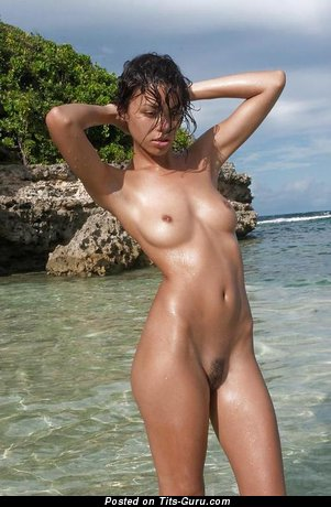 Good-Looking Undressed Gal (Xxx Pic)