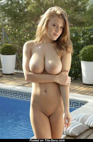 Leanna Decker - Wonderful American Red Hair with Wonderful Bare Natural Medium Boobie, Piercing, Sexy Legs & Tattoo is Smoking in the Pool (Xxx Pic)