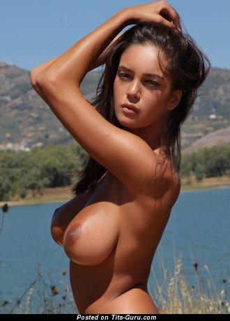 Image. Ela Savanas - nude beautiful female photo
