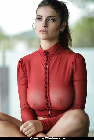 Beautiful Non-Nude Babe with Beautiful Average Boobies (Porn Pic)