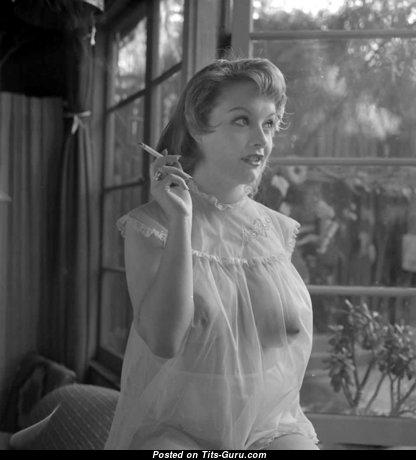 Judy Crowder - Sweet Nude Blonde in Lingerie (Vintage Porn Foto)