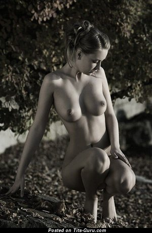 Image. Nude amazing lady with natural tots image