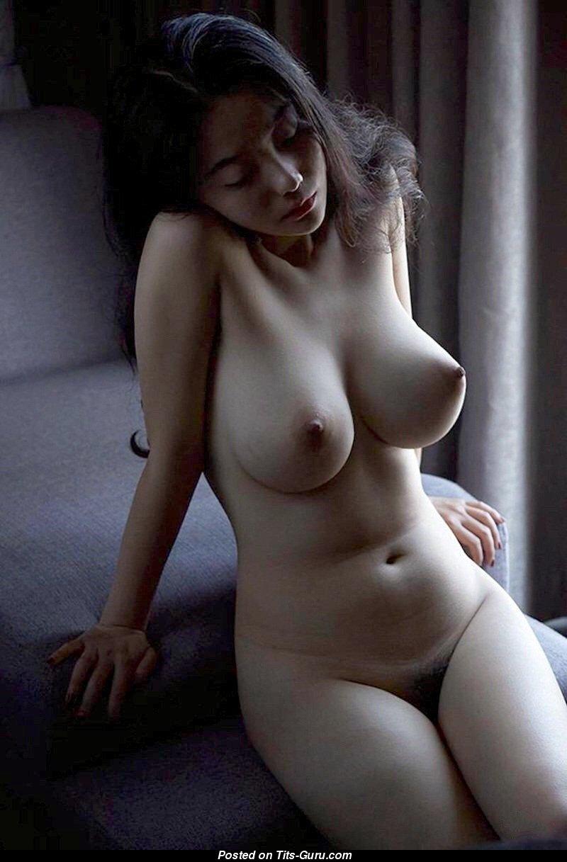 erotika-naturalnaya-grud