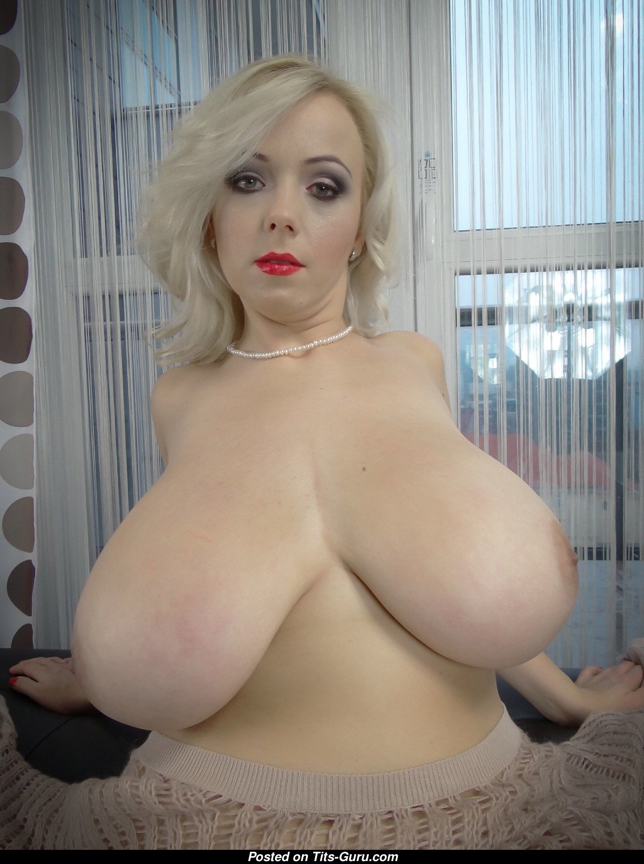 Busty shaved bolnde videos