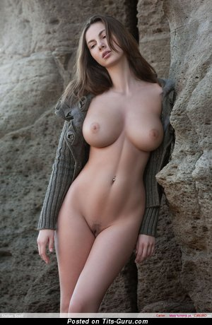 Pleasing Brunette with Pleasing Nude Real Ddd Size Boobies (Hd Sex Pix)