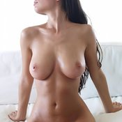 Splendid Babe with Splendid Naked Real D Size Hooters (18+ Image)